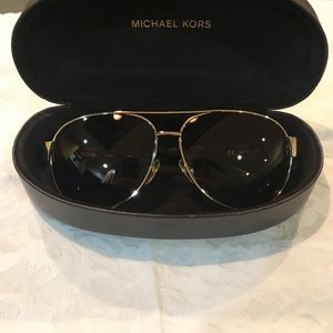 Michael Kors Aviator sunglassy